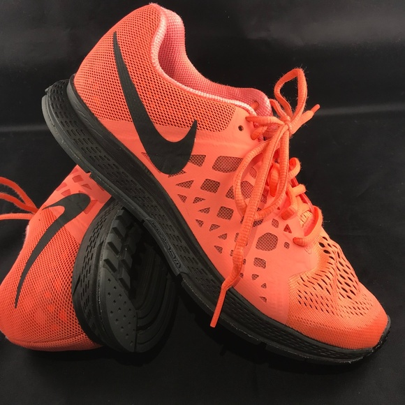 newest 3f48a 03b15 Excellent NIKE Coral Red Black Air Zoom Pegasus 31.  M 5b0228296bf5a6a55f35816a